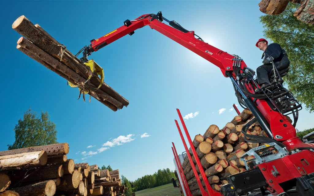 Hydraulická ruka pre lesníctvo